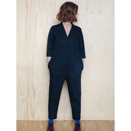 V-Neck Jumpsuit Papierschnittmuster von The Assembly Line