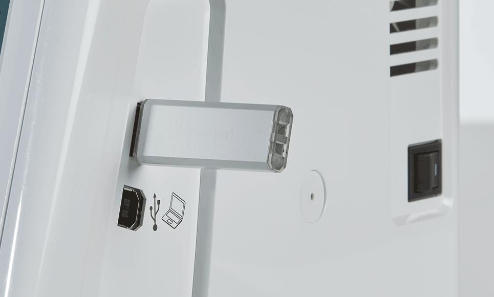 Brother Innov-is V3 2 USB-Anschlüsse