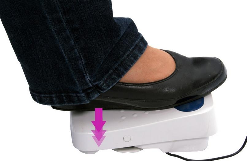 Fußanlasser mit Fadenabschneidefunktion