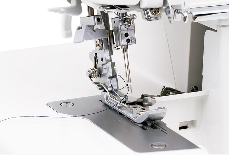 Automatischer Nadeleinfädler für beide Nadeln